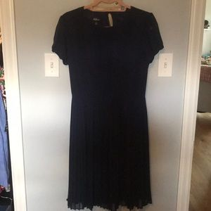 AGB Dress Blue short sleeve pleated dress